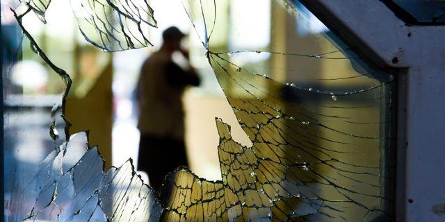 Fönster i lokalen som attackerades WAKIL KOHSAR / AFP