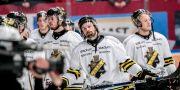 Besvikna AIK-spelare efter matchförlust mot Bik Karlskoga i direkkvalet till SHL. Bilden är från den 20 mars 2017. Pavel Koubek/TT / TT NYHETSBYRÅN