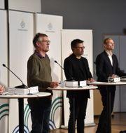 Mattias Fredricson (Socialstyrelsen), Anders Tegnell (Folkhälsomyndigheten) och Svante Werger (MSB). Duygu Getiren/TT / TT NYHETSBYRÅN