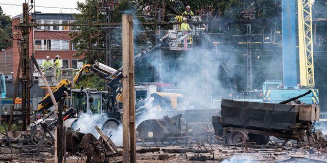 Bild från arbetet med branden.  Johan Nilsson/TT / TT NYHETSBYRÅN