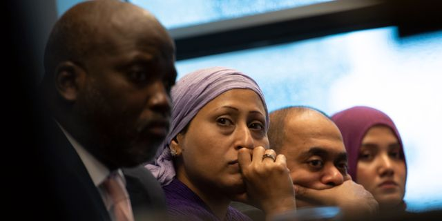 Flera rohingyer var närvarande under pressträffen i Haag. Peter Dejong / TT NYHETSBYRÅN