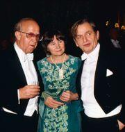 Olof Palme år 1983. Här tillsammans med frun Lisbet och talmannen Ingemund Bengtsson. SvP/TT / TT NYHETSBYRÅN