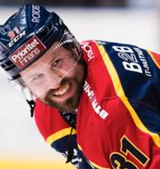 Luleå firar/Djurgårdens Dick Axelsson.  TT