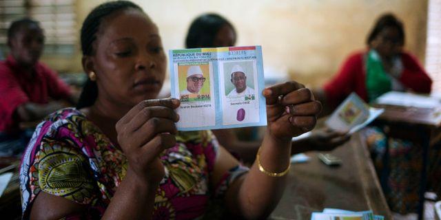 Rösträkning i Mali. Annie Risemberg / TT / NTB Scanpix
