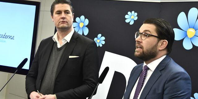 SD:s partiledare Jimmie Åkesson och partiets ekonomisk-politiska talesperson Oscar Sjöstedt. Claudio Bresciani/TT / TT NYHETSBYRÅN