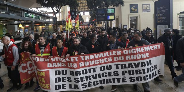 Strejk stoppade flygningar till frankrike