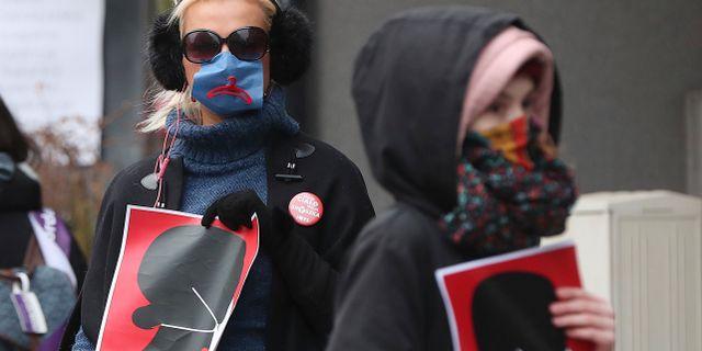 Aborträttsaktivister i Polen.  Czarek Sokolowski / TT NYHETSBYRÅN