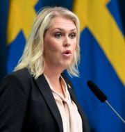 Socialminister Lena Hallengren (S). Fredrik Sandberg/TT / TT NYHETSBYRÅN