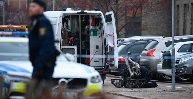 Polisens bombtekniker på plats. Johan Nilsson/TT / TT NYHETSBYRÅN