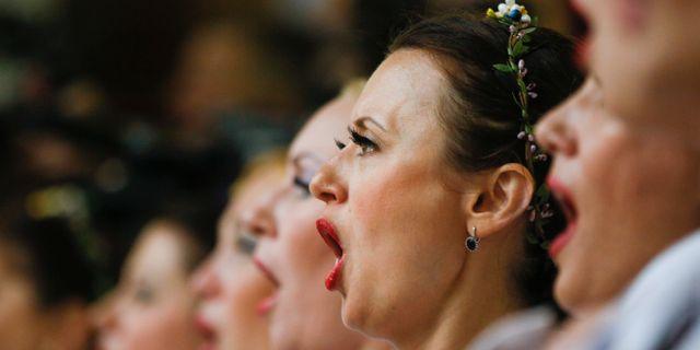 Kvinnor som sjunger i kör.  Efrem Lukatsky / TT NYHETSBYRÅN