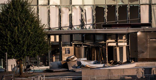 Förödelse efter bomben den 6 augusti förra året. Olafur Steinar Rye Gestsson / TT NYHETSBYRÅN