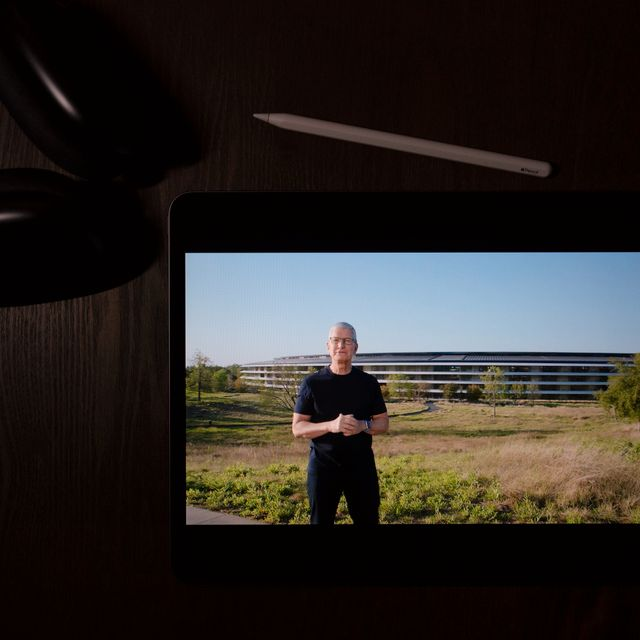 This photo in La Habra, Calif., shows Apple CEO Tim Cook speaking during a virtual event to announce new Apple products, Tuesday, April 20, 2021. Jae C. Hong / TT NYHETSBYRÅN