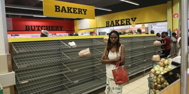 Zimbabwe befinner sig i den värsta ekonomiska krisen på en månad.  Tsvangirayi Mukwazhi / TT NYHETSBYRÅN/ NTB Scanpix