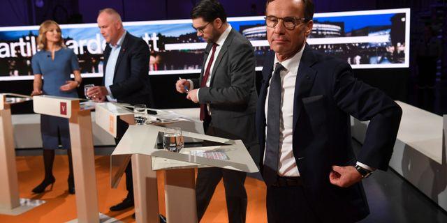 Ulf Kristersson i förgrunden under SVT:s partiledardebatt tidigare i höstas.  Fredrik Sandberg/TT / TT NYHETSBYRÅN