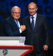 Blatter och Putin.  STRINGER / TT NYHETSBYRÅN