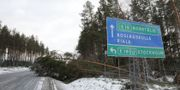 Nedfallna träd till följd av stormen Alfrida på Rialavägen mellan E 18 och Finsta. Christine Olsson/TT / TT NYHETSBYRÅN