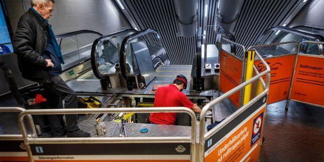 Rulltrappereparation i måndags. Simon Rehnström/SvD/TT / TT NYHETSBYRÅN