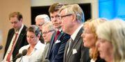 Konstitutionsutskottet vid torsdagens presskonferens Henrik Montgomery/TT / TT NYHETSBYRÅN