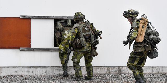 Rekryter vid en övning i Karn utanför Borensberg. Arkivbild. Pontus Lundahl/TT / TT NYHETSBYRÅN