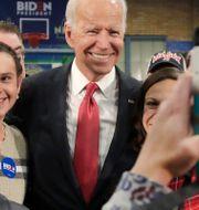 Joe Biden under ett kampanjmöte i New Hampshire igår. Elise Amendola / TT NYHETSBYRÅN
