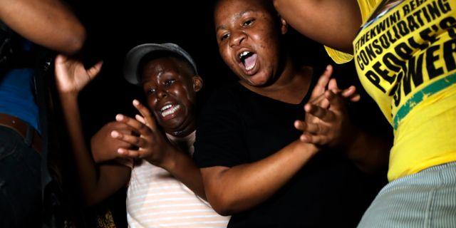 Anhängare till Jacob Zuma. Themba Hadebe / TT NYHETSBYRÅN