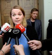 Centerpartiets ordförande Katri Kulmuni har meddelat att hennes parti saknar förtroende för Rinne. Centerpartiet har ingått i SDP:s regeringskoalition. Mikko Stig / TT NYHETSBYRÅN