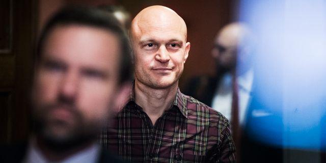 Journalisten Fredrik Önnevall i samband med rättegången i Malmö tingsrätt 2017. Emil Langvad/TT / TT NYHETSBYRÅN