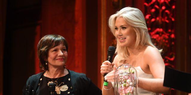 """Kerstin Hessius, tredje AP-fonden, och Isabella Löwengrip """"Blondinbella"""" utsågs till näringslivets mäktigaste kvinnor vid en galamiddag på Berns.  Fredrik Sandberg/TT / TT NYHETSBYRÅN"""