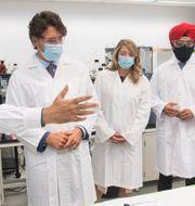 Arkivbild. Premiärminister Justin Trudeau vid forskningscenter i Montreal.  Graham Hughes / TT NYHETSBYRÅN