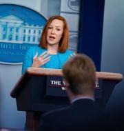 Arkivbild: Vita husets pressekreterare Jen Psaki svarar på frågor från Peter Doocey (i förgrunden) Evan Vucci / TT NYHETSBYRÅN
