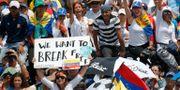 Demonstrationer mot Nicolás Maduro i Barquisimeto i Venezuela i slutet av april. Ariana Cubillos / TT NYHETSBYRÅN/ NTB Scanpix