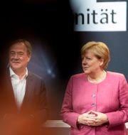 Armin Laschet och Angela Merkel. Markus Schreiber / TT NYHETSBYRÅN