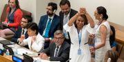 Costa Ricas ambassadör firar när förslaget antogs, 2017. Mary Altaffer / TT NYHETSBYRÅN