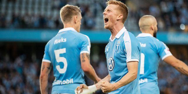 Anders Christiansen firar 3–0 målet. MATHILDA AHLBERG / BILDBYRÅN