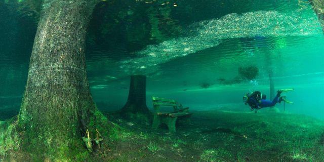 Normalt är sjön uttorkad – men på sommaren kan vandringsturen förvandlas till ett magplask. Wikicommons