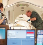 Patient i en CT-scanner.  Jim Cole / TT / NTB Scanpix