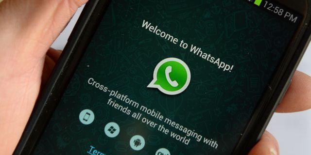 Whatsapp. STAN HONDA / AFP