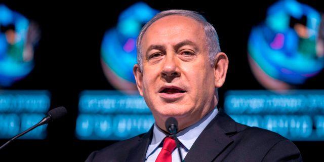 Israels premiärminister Benjamin Netanyahu vid ett tal idag. JACK GUEZ / AFP