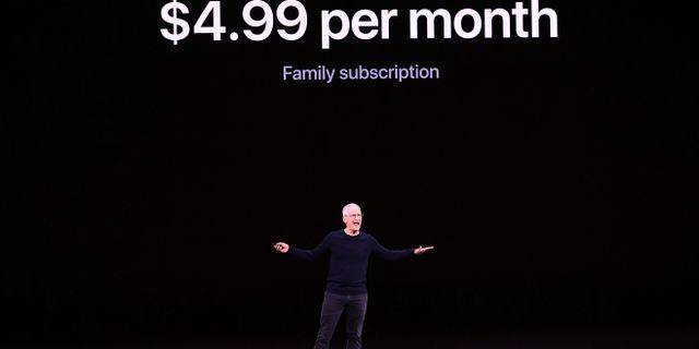 Tim Cook presenterar Netflix-utmanaren Apple TV+ för 4,99 dollar i månaden. JOSH EDELSON / AFP