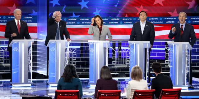 Joe Biden, Bernie Sanders, Kamala Harris, Andrew Yang och Tom Steyer.  ALEX WONG / GETTY IMAGES NORTH AMERICA