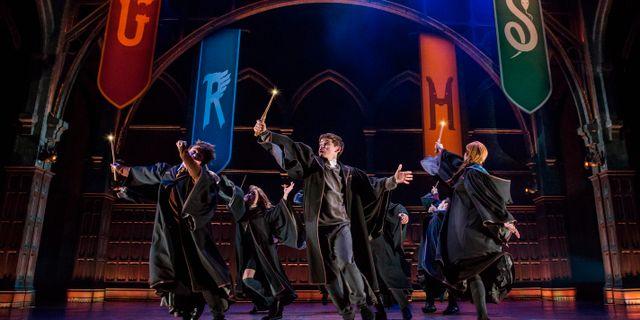 """Bild från pjäsen """"Harry Potter and the Cursed Child,"""" i New York. Matthew Murphy / TT NYHETSBYRÅN"""
