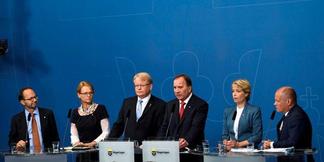 Stefan Löfven håller presskonferens om sin regeringsombildning efter it-skandalen den 27 juli. TT NEWS AGENCY / TT NYHETSBYRÅN