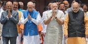 Indiens premiärminister Narendra Modi näst längst till höger, Ram Nath Kovind längst till vänster. Manish Swarup / TT / NTB Scanpix