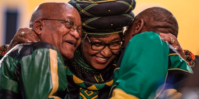 Jacob Zuma, Winnie Mandela och partiledarkandidaten Cyril Ramaphosa. MUJAHID SAFODIEN / AFP