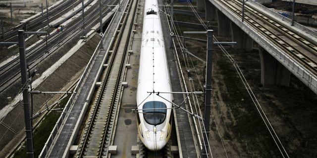 Höghastighetståg i Shanghai. TT.