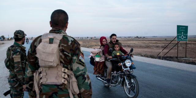 Syriska regeringssoldater nära gränsstaden Tal Tamr Baderkhan Ahmad / TT NYHETSBYRÅN