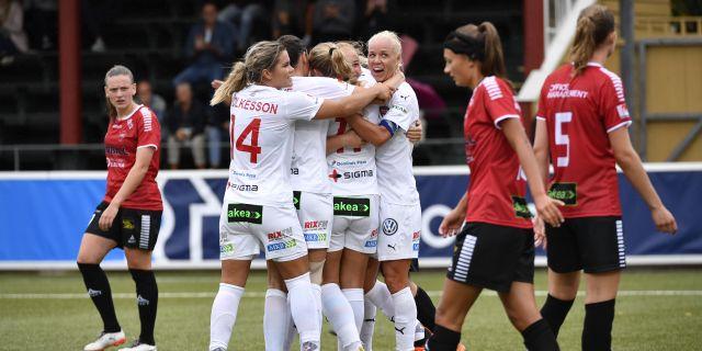 Glodis Perla Viggosdottir har precis satt dit 3–0. Johan Nilsson/TT / TT NYHETSBYRÅN