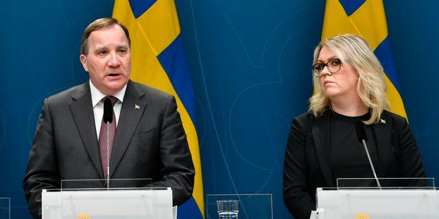 Statsminister Stefan Löfven och socialminister Lena Hallengren. Andes Wiklund / TT NYHETSBYRÅN