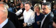 Andrew Brunson (vit skjorta) på flygplatsen på väg från Turkiet. Emre Tazegul / TT NYHETSBYRÅN