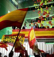 Voxkandidaten Santiago Abascal under valnatten.  OSCAR DEL POZO / AFP